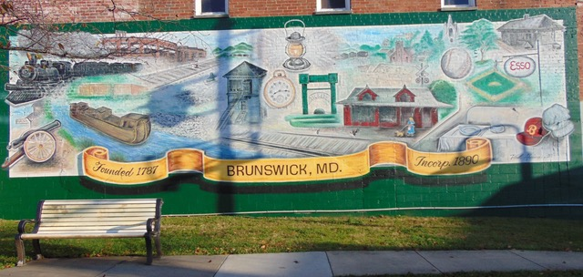 Repainting of the Square Corner Park Mural